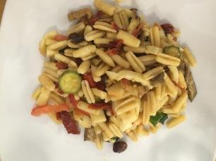 Primi : une salade de pâtes aux légumes
