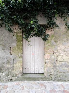 Petite porte charmante