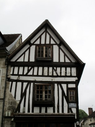 Facade d'un bar sympa : Chez Gab (33 rue Fournier-Sarlovèze)