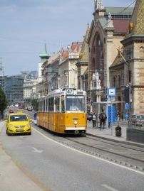 Taxi jaune vs Tram jaune
