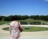 En admiration devant les Jardins à la française