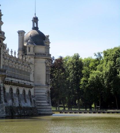 Chateau posé sur l'eau