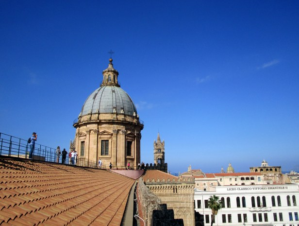 Sur les toits